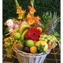 Panier de fruits décoré de fleurs