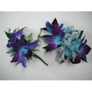 Boutonière et bracelet en bleu