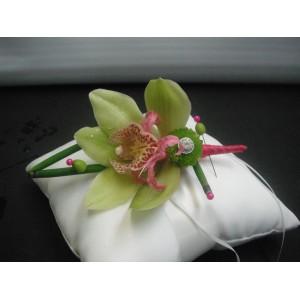 Un orchidé pour le marié